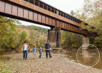 Family Photos on the River – Edwin & Melanie