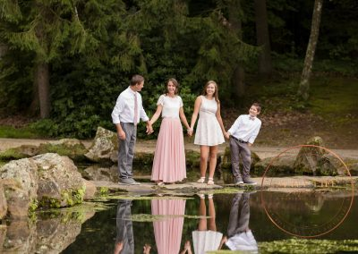 Outdoor Family Portraits – Chic Elegance in the Garden