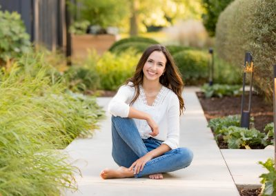 Elegant Outdoor Senior Session – Grace